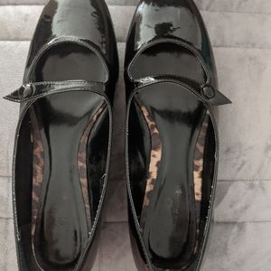 Size 8.5 women's black patent leather